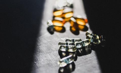 Quais os métodos utilizados nos Estados Unidos para combater a dependência química?