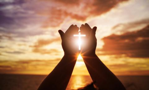 A influência da espiritualidade na recuperação de dependentes químicos e alcoólatras